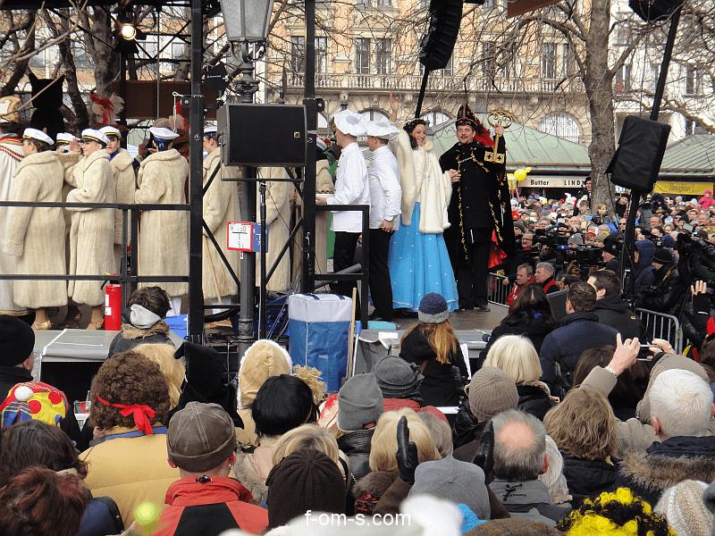Viktualienmarkt - Tanz der Marktfrauen 2015